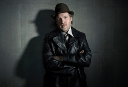 Донал Лог в роли Детектива Буллока Donal Logue as Harvey Bullock